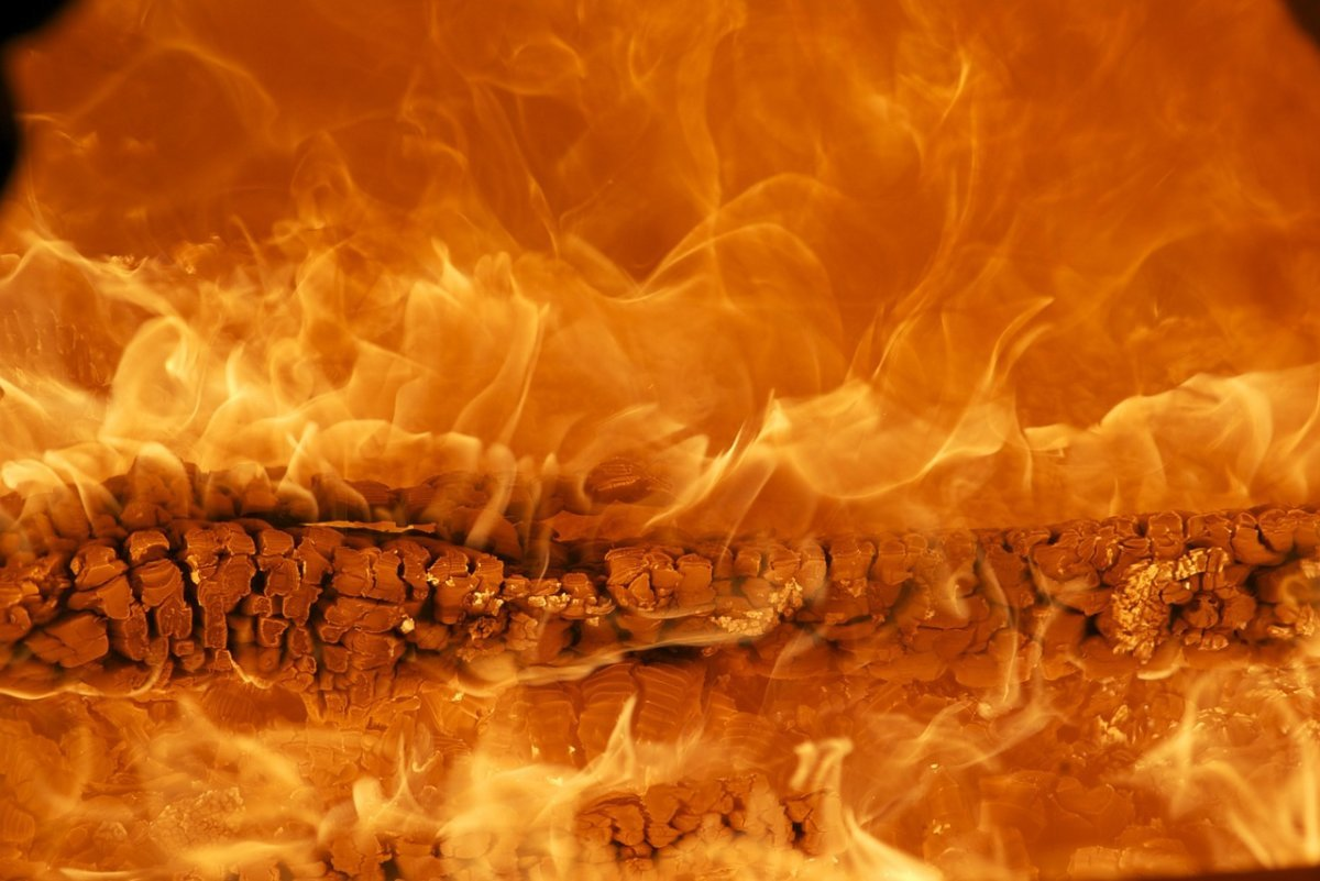 fire-171229_1280 Landkreis Landsberg |Zwei Personen bei Brand eines Wohnhauses in Denklingen leicht verletzt Landsberg am Lech News Polizei & Co denklingen Feuer Landsberg |Presse Augsburg