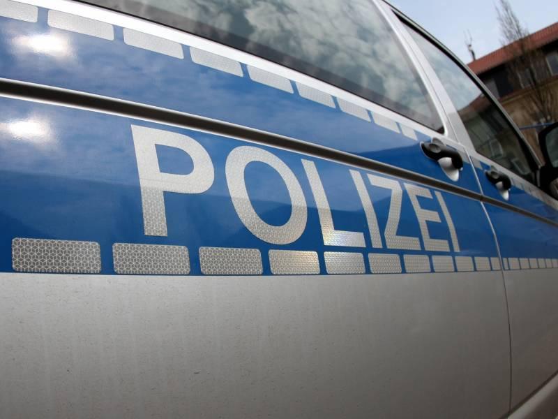 Regensburg Jugendliche Schlagen Polizeibeamte Krankenhausreif