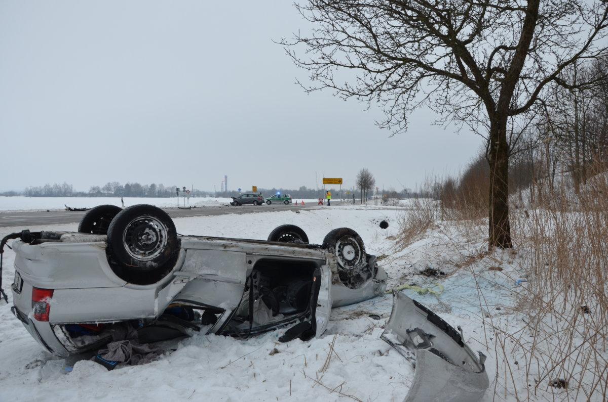 n5_180224_ID12792_6 Bad Wörishofen | Auto überschlägt sich nach Vorfahrtscrash News Polizei & Co Unterallgäu Bad Wörishofen Rammingen |Presse Augsburg