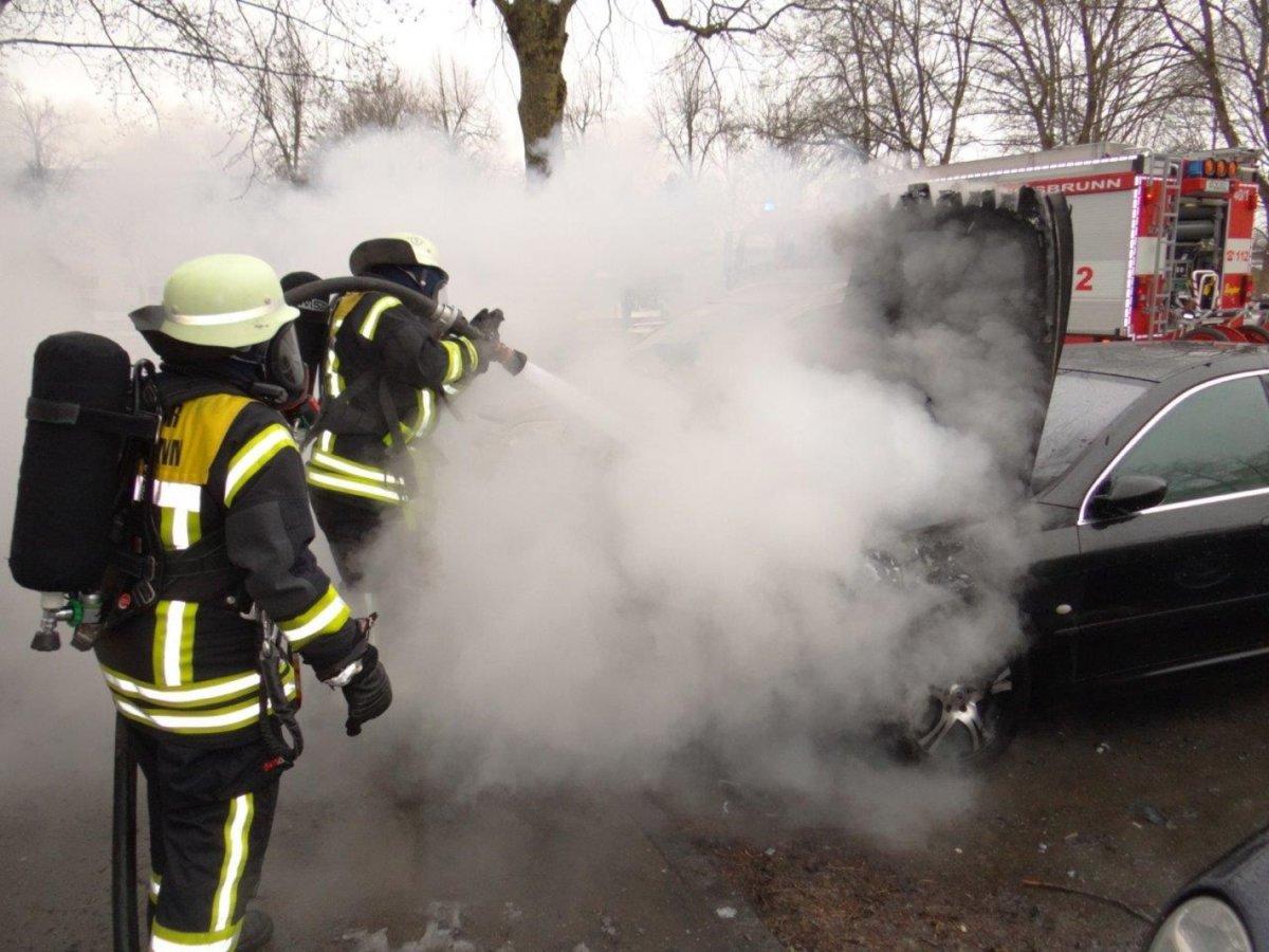 FFKBR_2017352-2 Königsbrunn | Ein Auto in Flammen Landkreis Augsburg News Polizei & Co Feuerwehr Königsbrunn |Presse Augsburg