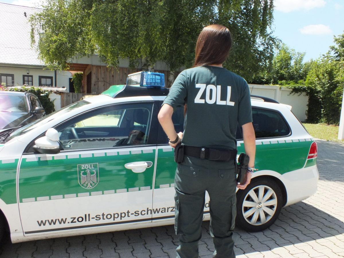 Symbolfoto Zollstopptschwarzarbeit