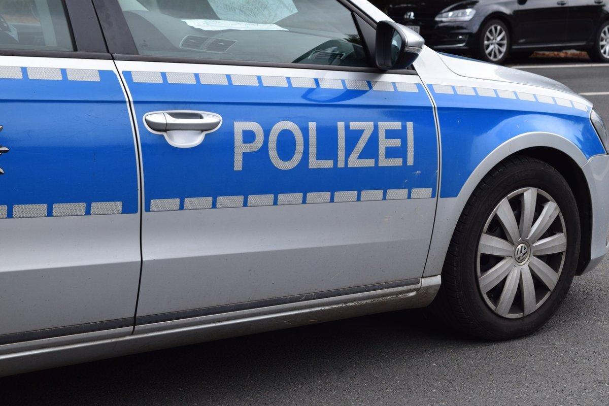 police-1667146_1280 Oberhausen - Exhibitionist zeigt sich junger Frau Augsburg Stadt News Polizei & Co |Presse Augsburg