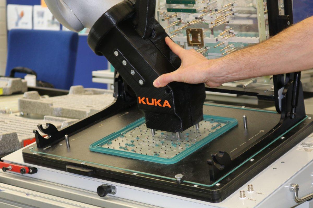 Fujitsu_Kuka_3 Augsburg | Projekt von Fujitsu und Kuka führt zu zu einer bahnbrechenden Zusammenarbeit von Mensch und Roboter Augsburg Stadt Augsburg-Stadt News Wirtschaft Augsburg Industrie 4.0 Fujitsu Kuka |Presse Augsburg
