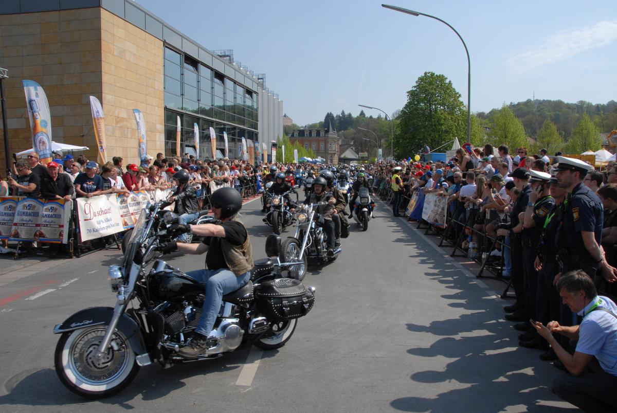 korso2 Motorradsternfahrt in Kulmbach bot Zweiradfans ein willkommenes Ausflugsziel Überregionale Schlagzeilen Vermischtes Kulmbach Motorradsternfahrt  Presse Augsburg