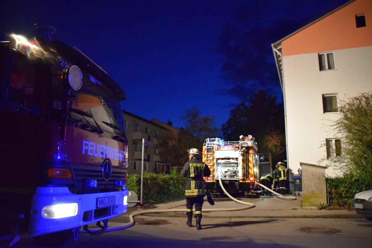 07-DSC_3196 Zwei Verletzte bei Wohnungsbrand in Mindelheim News Newsletter Polizei & Co Unterallgäu Feuerwehr Mindelheim Wohnungsbrand |Presse Augsburg