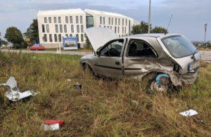 B16 bei Neuburg  39-Jähriger bei schwerem Verkehrsunfall bei Neuburg lebensgefährlich verletzt