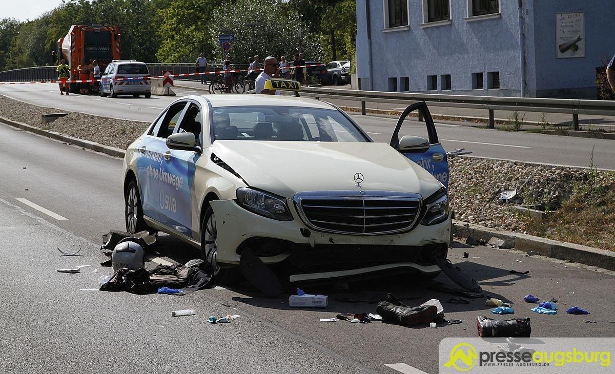 MG_7128 Eilmeldung | Unfall zwischen Motorrad und Pkw - MAN-Brücke gesperrt Augsburg Stadt News Polizei & Co Augsburg Feuerwehr Krankenwagen Lechhausen MAN-Brücke Motorrad Polizei Unfall |Presse Augsburg