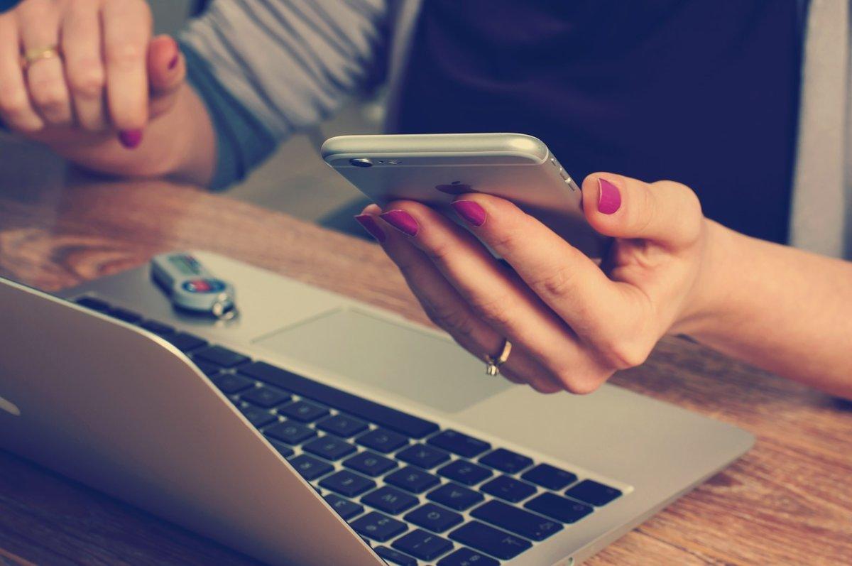 office-620822_1280 Wenn der Büroalltag zu stressig wird… Möglichkeiten zur Linderung Freizeit Gesundheit Büroalltag Linderung Stress |Presse Augsburg