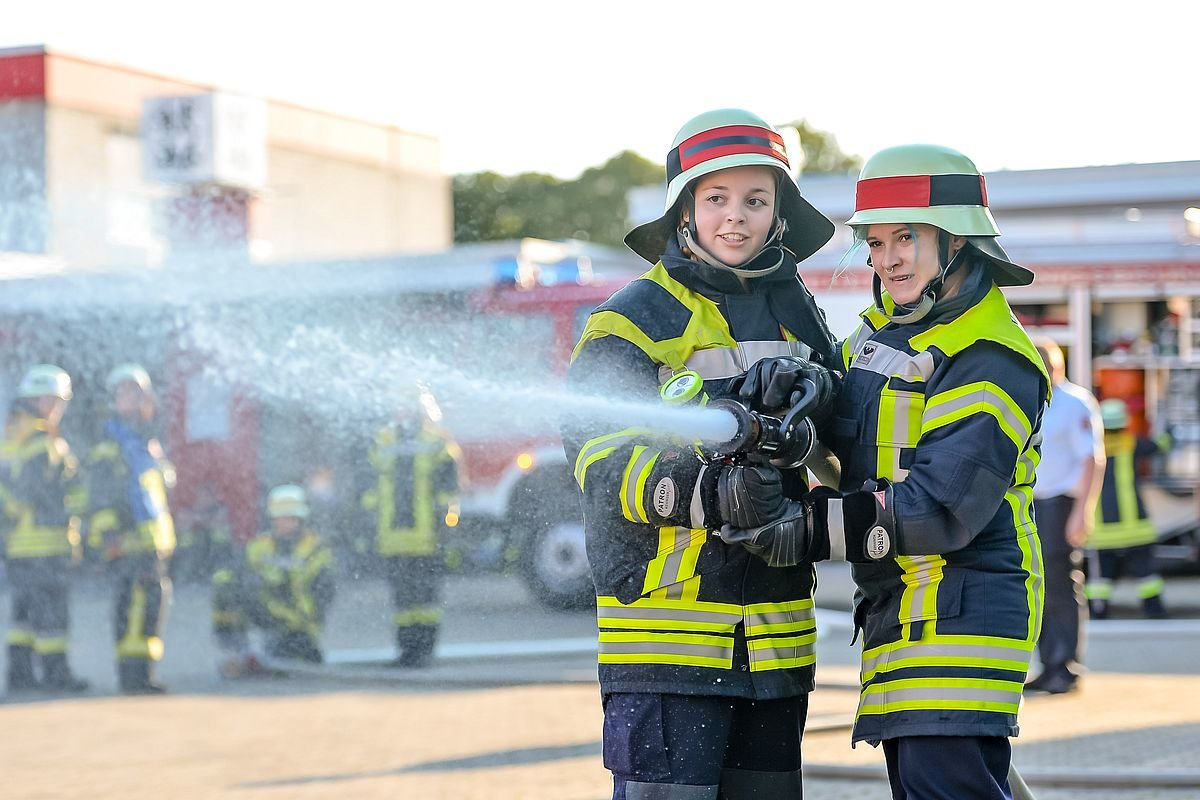 FFW_Kbr-Leistungsabzeichen-2018-4 Königsbrunner Feuerwehr-Frauen sind ausgezeichnet Landkreis Augsburg News Polizei & Co Feuerwehr Königsbrunn Frauen Leistungsabzeichen  Presse Augsburg