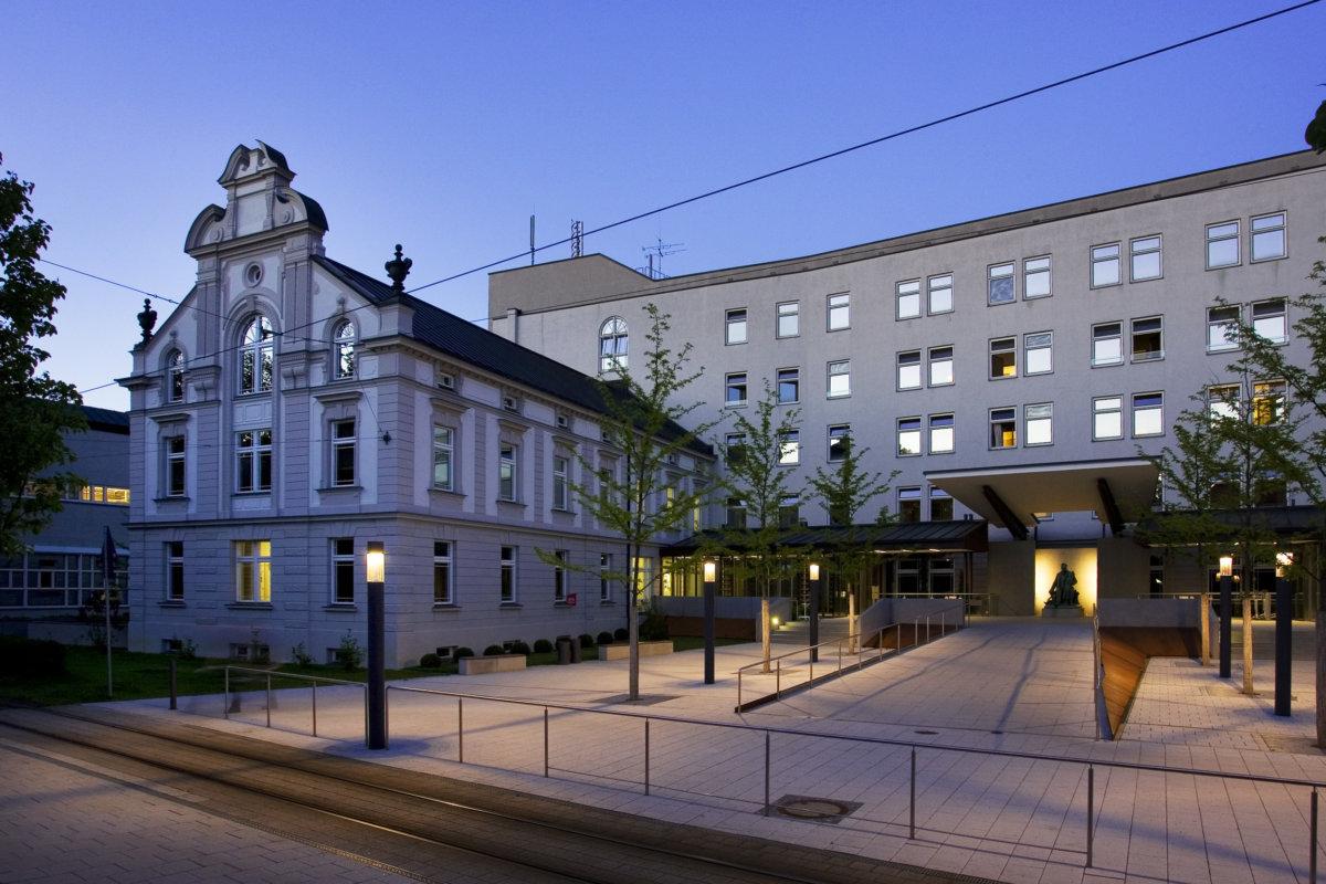 Hessing Kliniken Auch 2019 In Ihrer Position Als Anbieter Von Orthopädis...