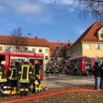 emersacker2-150x150 Großbrand im Landkreis Augsburg - Schloss Emersacker steht in Flammen Bildergalerien Landkreis Augsburg News Polizei & Co Brand Emersacker Feuerwehr Schlossgaststätte |Presse Augsburg