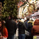 2018-12-10-Philipp-Max-–-58-150x150 Bildergalerie | FC Augsburg-Spieler schenkt auf dem Christkindlesmarkt aus Augsburg Stadt Bildergalerien FC Augsburg News Sport Augsburger Christkindlesmarkt FC Augsburg FCA Glühwein |Presse Augsburg