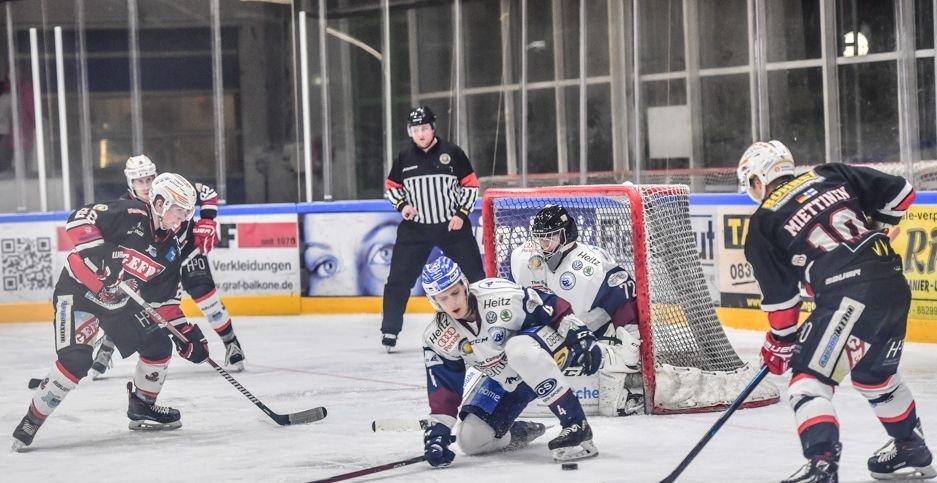 DSC_7008-7 Memmingen Indians sichern sich Punkt gegen Riessersee - ECDC verliert nach Verlängerung mehr Eishockey Memmingen News Sport ECDC Memmingen Indians SC Riesersee |Presse Augsburg