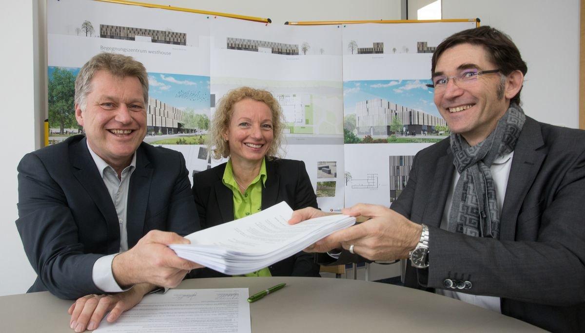 Unterzeichnung Vorvertrag Einsmehr Und Westhouse Gmbh