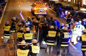 Feuerwehr München |Person nach Verkehrsunfall in Auto eingeschlossen