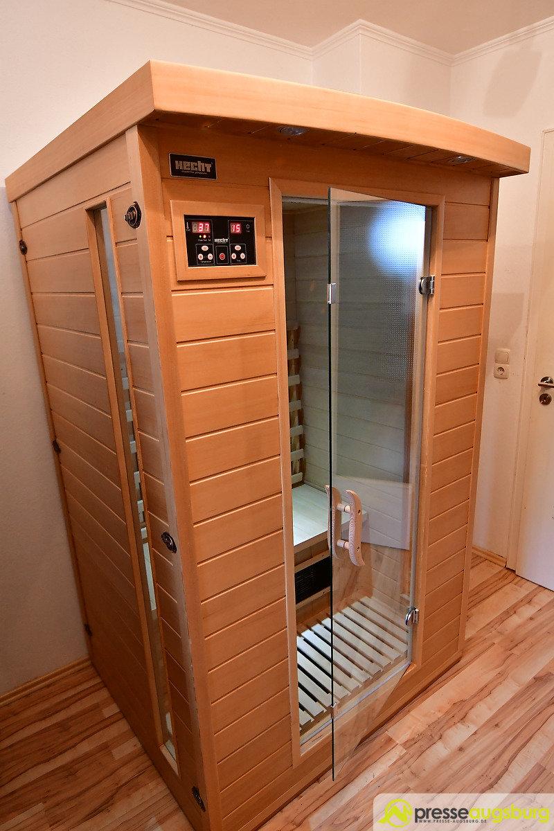 1 38 quadratmeter entspannung pur die hecht essential infrarotsauna im presse augsburg test. Black Bedroom Furniture Sets. Home Design Ideas
