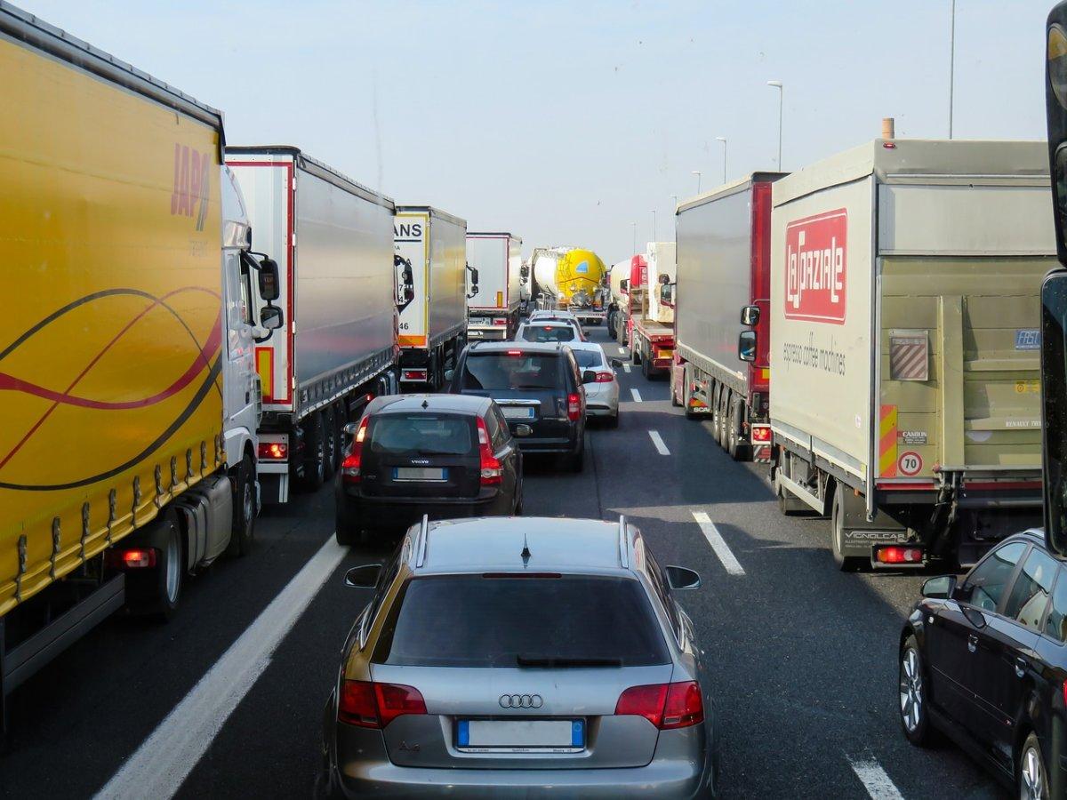 Traffic 2251530 1280