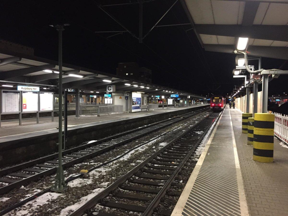 190128 013 In Öa Bahnsteig 6 Augsburg