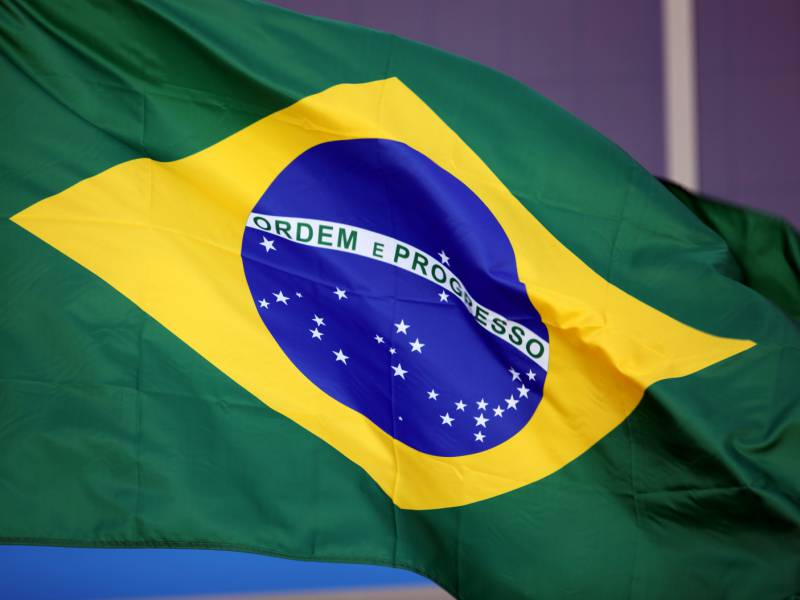 staudamm-in-brasilien-gebrochen-hunderte-vermisste Staudamm in Brasilien gebrochen - Hunderte Vermisste Überregionale Schlagzeilen Vermischtes - 2015 Brasilien Es Menschen Rettungskräfte Rio Unglück Vermisst Vermisste  Presse Augsburg
