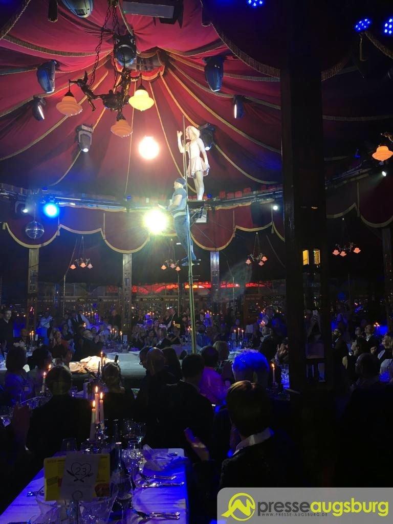 teatro-augsburg Zwei Dinnershows in Augsburg - Positives Fazit sowohl bei Teatro, als auch bei Chris Kolonko Augsburg Stadt Freizeit News Newsletter Alfons Schuhbeck CHRIS Kolonkos
