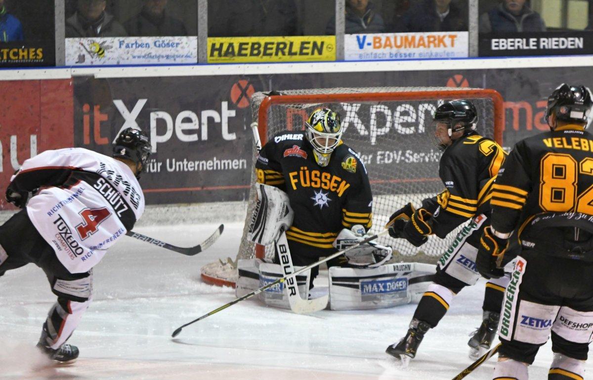 Abschluss Schweres Wochenende | EHC Königsbrunn muss gegen Ersten und Zweiten ran Landkreis Augsburg mehr Eishockey News Sport EHC Königsbrunn SC Riesersee TEV Miesbach |Presse Augsburg