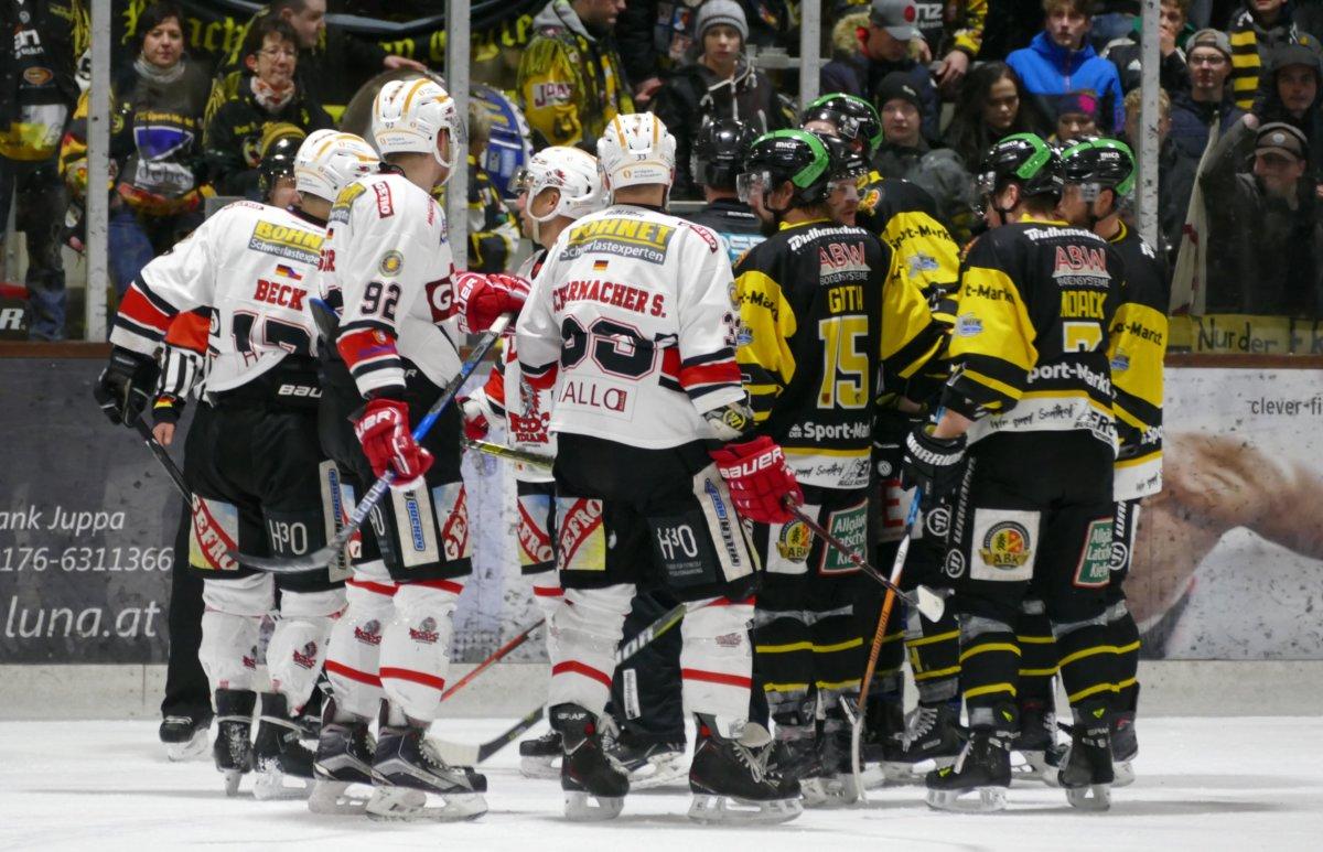 P1090433 Aufholjagd wird nicht belohnt - Bulls Sonthofen unterliegen im Derby den Memmingen Indians mehr Eishockey Memmingen News Oberallgäu Sport ECDC Memmingen Indians ERC Sonthofen Bulls |Presse Augsburg
