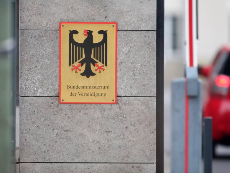 Berateraffaere Rechnungshof Findet Neue Schlampereien Im Wehrressort