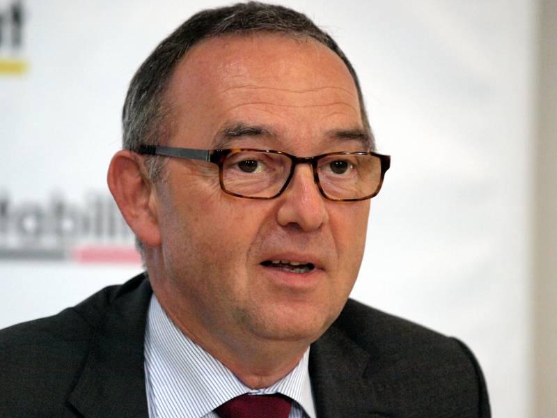 Ex Nrw Finanzminister Steigt Bei Buergerbewegung Finanzwende Ein