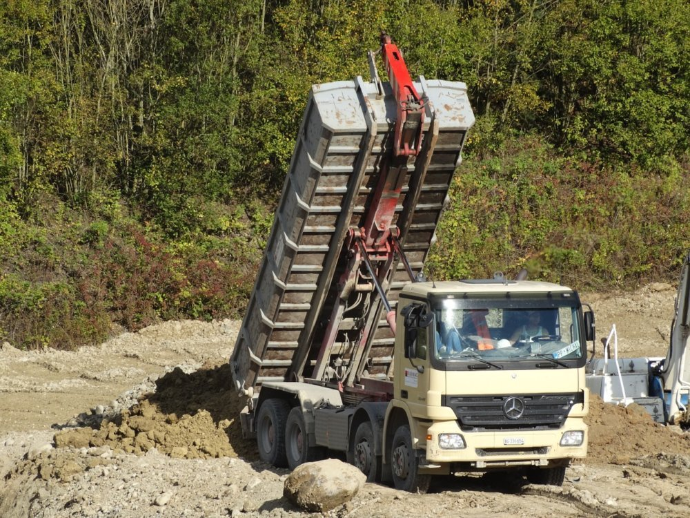 Tilt Trucks 482421 1280 1
