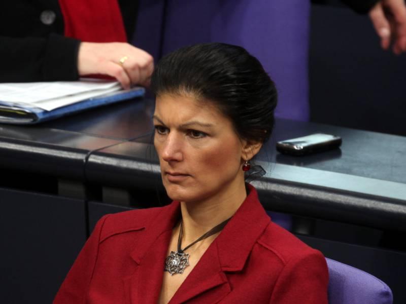 Wagenknecht Wirft Parteiinternen Gegnern Niedertracht Vor
