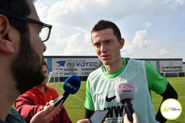 fca_training_015-630x420 Bildergalerie |Der FC Augsburg macht sich fit für Stuttgart Augsburg Stadt Bildergalerien FC Augsburg News Sport |Presse Augsburg