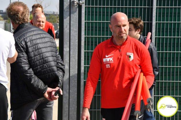 fca_training_017-630x420 Bildergalerie |Der FC Augsburg macht sich fit für Stuttgart Augsburg Stadt Bildergalerien FC Augsburg News Sport |Presse Augsburg
