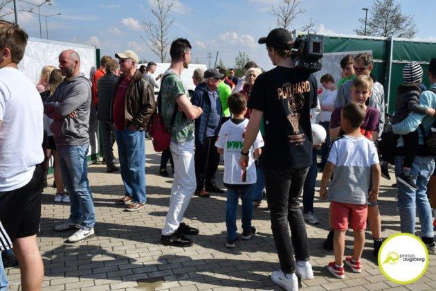fca_training_030-630x420 Bildergalerie |Der FC Augsburg macht sich fit für Stuttgart Augsburg Stadt Bildergalerien FC Augsburg News Sport |Presse Augsburg