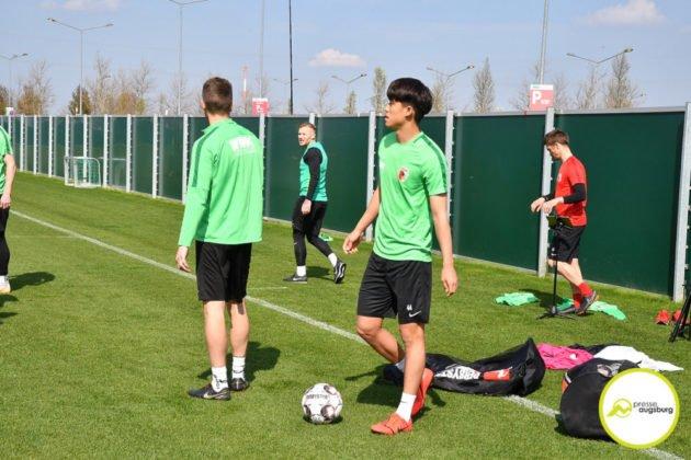 fca_training_031-630x420 Bildergalerie |Der FC Augsburg macht sich fit für Stuttgart Augsburg Stadt Bildergalerien FC Augsburg News Sport |Presse Augsburg