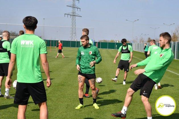 fca_training_034-630x420 Bildergalerie |Der FC Augsburg macht sich fit für Stuttgart Augsburg Stadt Bildergalerien FC Augsburg News Sport |Presse Augsburg