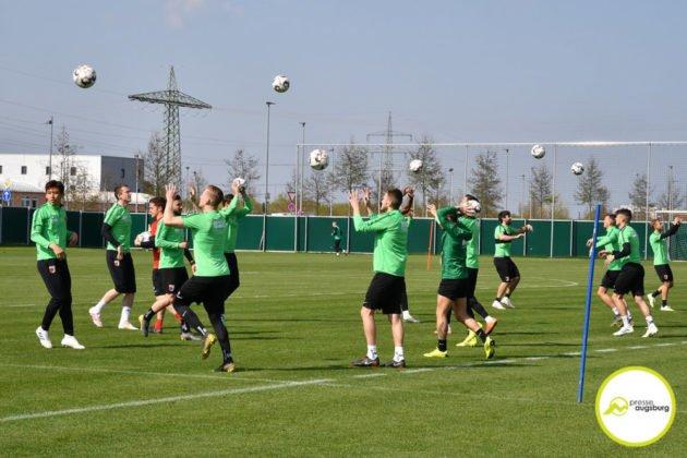 fca_training_035-630x420 Bildergalerie |Der FC Augsburg macht sich fit für Stuttgart Augsburg Stadt Bildergalerien FC Augsburg News Sport |Presse Augsburg