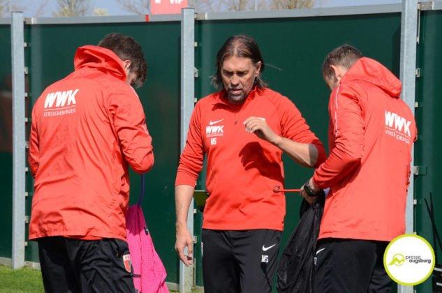 fca_training_049-633x420 Bildergalerie |Der FC Augsburg macht sich fit für Stuttgart Augsburg Stadt Bildergalerien FC Augsburg News Sport |Presse Augsburg