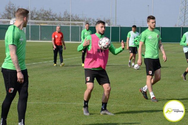 fca_training_060-633x420 Bildergalerie |Der FC Augsburg macht sich fit für Stuttgart Augsburg Stadt Bildergalerien FC Augsburg News Sport |Presse Augsburg