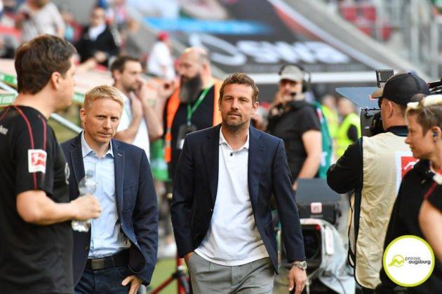 fca_vfb_001-630x420 Nach 0:6-Pleite in Augsburg |VfB Stuttgart trennt sich von Markus Weinzierl Sport Überregionale Schlagzeilen entlassung Markus Weinzierl |Presse Augsburg