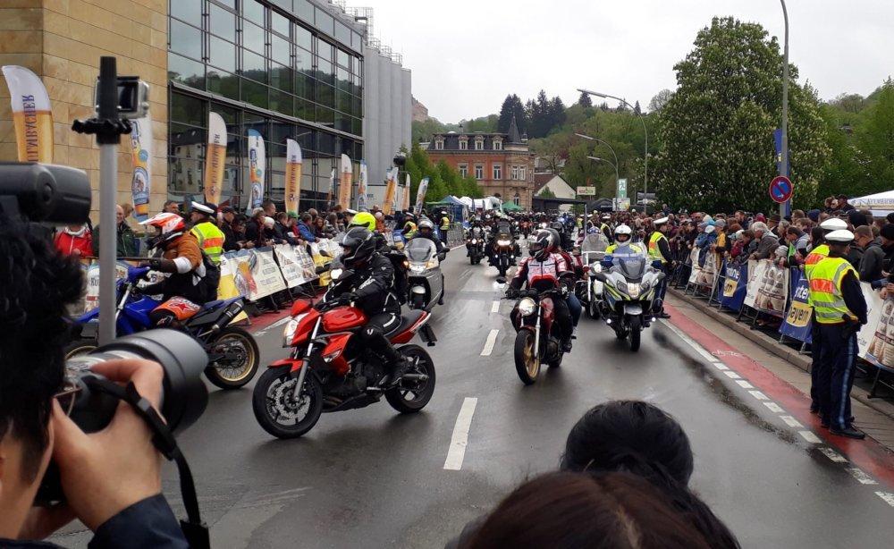 sternfahrt_4 Dem Wetter zum Trotz: 19. Motorradsternfahrt lockte Tausende nach Kulmbach Überregionale Schlagzeilen Vermischtes Kulmbach Motorradsternfahrt |Presse Augsburg
