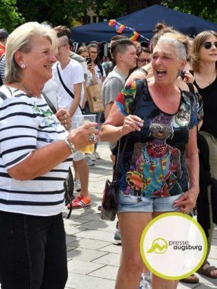 2019-06-15-CSD-–-09.jpg-316x420 Bildergalerie | Christopher-Street-Day in Augsburg Augsburg Stadt Bildergalerien Freizeit News Newsletter Politik Augsburg Christopher-Street-Day CSD Königsplatz |Presse Augsburg