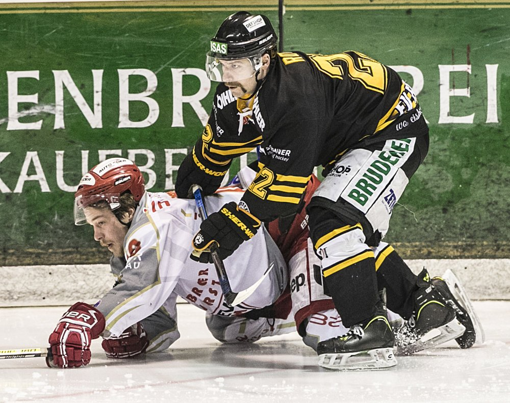 Stefan_Rott Abwehrstütze Stefan Rott verlängert beim EV Füssen mehr Eishockey Ostallgäu Sport Eishockey Eissportverein Füssen EV Füssen EVF Oberliga Stefan Rott |Presse Augsburg