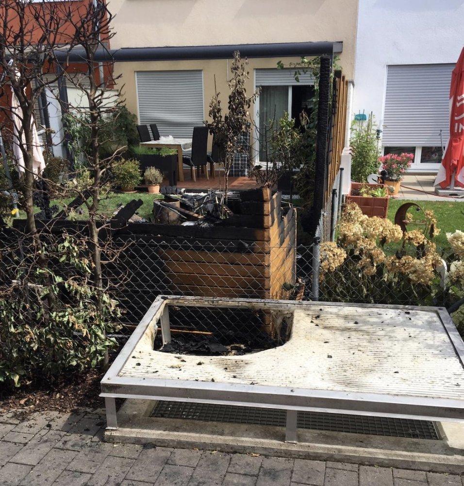 Bildschirmfoto-2019-07-06-um-14.00.16 Pfersee |Gartenhütte fängt Feuer - Feuerwehr verhindert Schlimmeres Augsburg Stadt News Newsletter Polizei & Co Brand Einsatz Feuer Feuerwehr Pfersee |Presse Augsburg