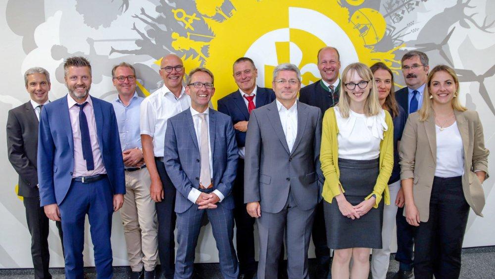 Runder Tisch Bzgl. Zusammenarbeit Uniklinik Und Kreiskliniken