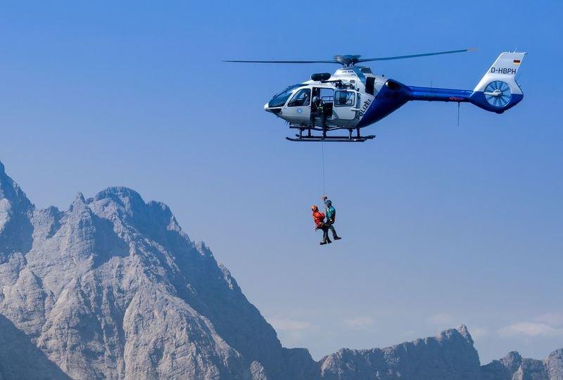 Bergwacht An Der Seilwinde Tsccb