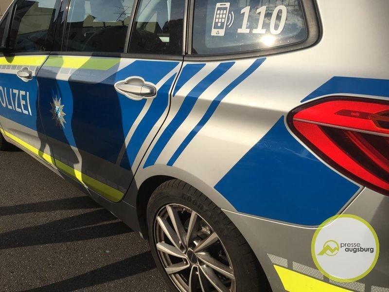 polizei0815 Seit einer Woche tot im Auto - Spaziergänger finden verunglückten Mann in Waldstück bei Fuchstal Landsberg am Lech Vermischtes Auto Fuchstal Lechmühlen Mann tot Mundraching Unfall Wald |Presse Augsburg