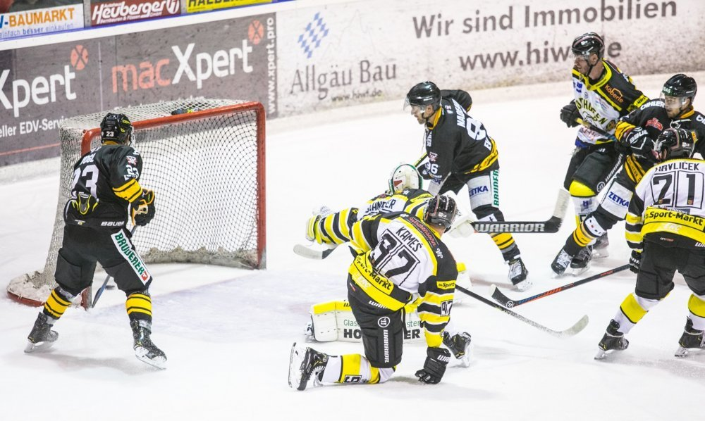 EVF-Sonthofen-VB Aufsteiger EV Füssen schlägt Ligakonkurrenten Bulls Sonthofen mehr Eishockey News Oberallgäu Ostallgäu Sport ERC Sonthofen Bulls EV Füssen Oberliga |Presse Augsburg