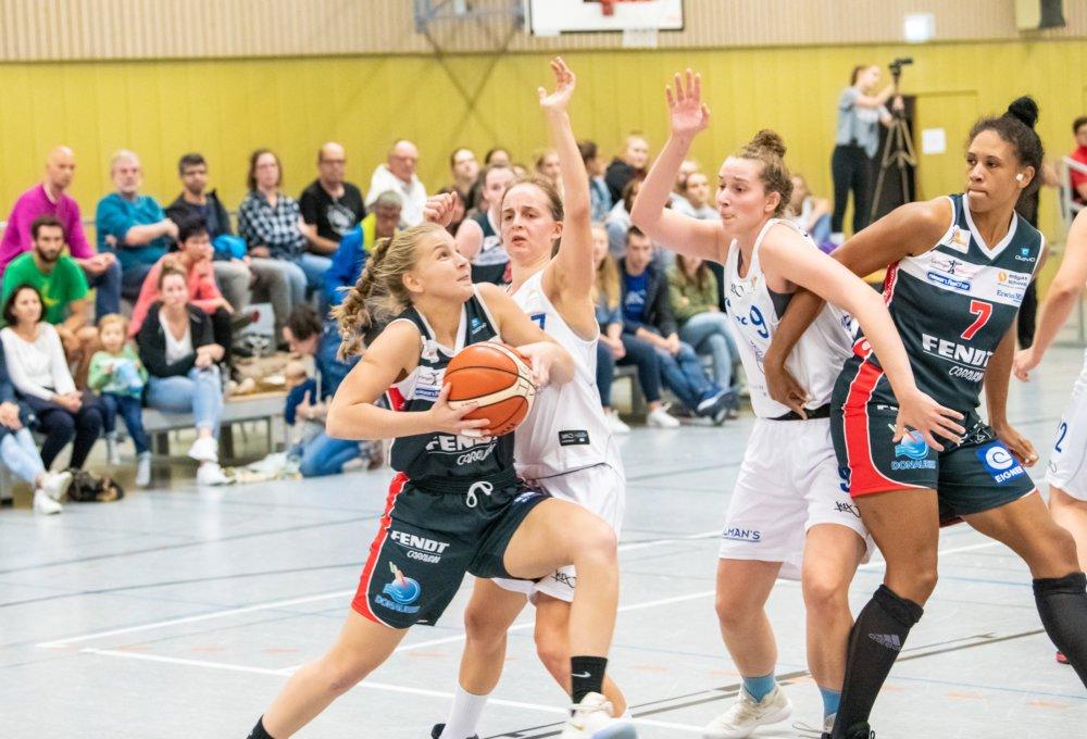 MF0_1814 Eine Runde weiter   Angels Nördlingen überzeugen bei Pokalspiel in Würzburg Basketball News Donau-Ries Sport Angels Nördlingen Basketball Pokal QOOL Sharks Würzburg XCYDE Angels  Presse Augsburg