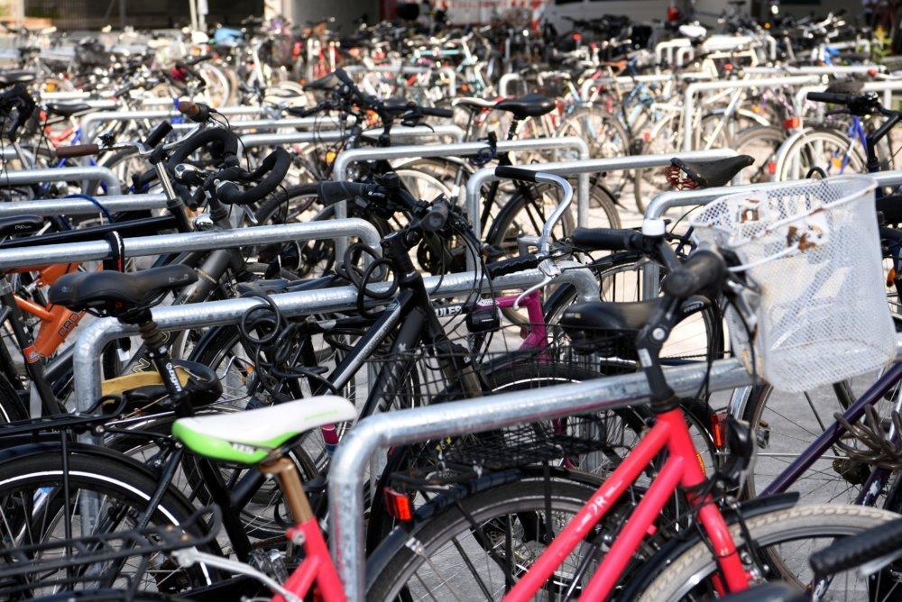 19_10_09_Fahrräder_Foto-Ruth-Plässel Versteigerung | Stadt Augsburg bringt Fahrräder, Fundsachen und Kurioses unter den Hammer Augsburg Stadt Freizeit News Augsburg Fahrräder Fundsachen Versteigerung |Presse Augsburg