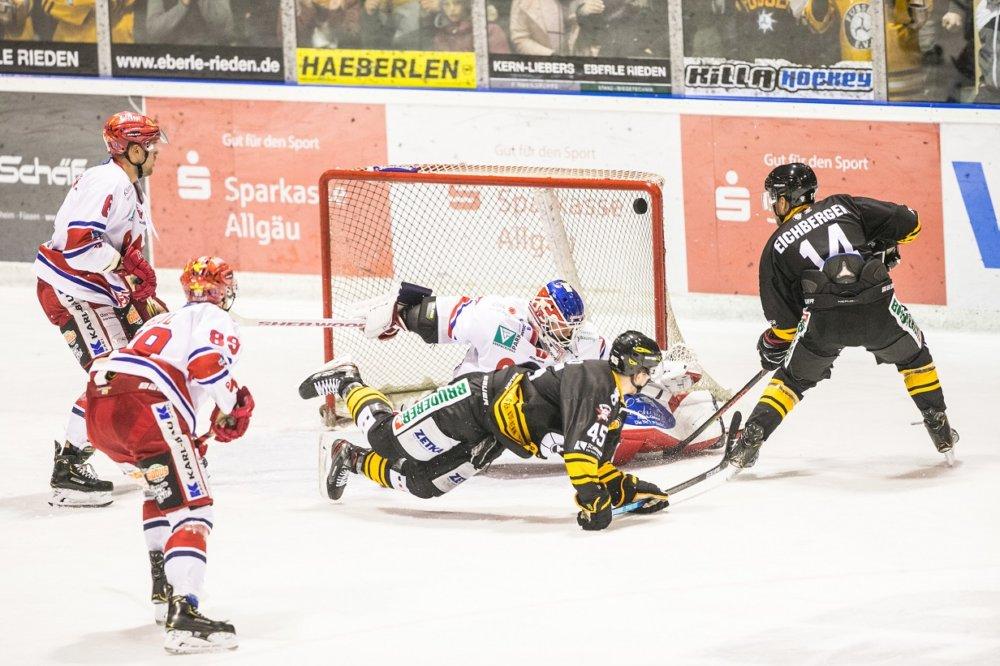 EVF-DSC Dem EV Füssen gelingt die Sensation - EVF schlägt Spitzenreiter Deggendorf mehr Eishockey News Ostallgäu Sport Deggendorfer SC DSC EV Füssen EVF Oberliga |Presse Augsburg
